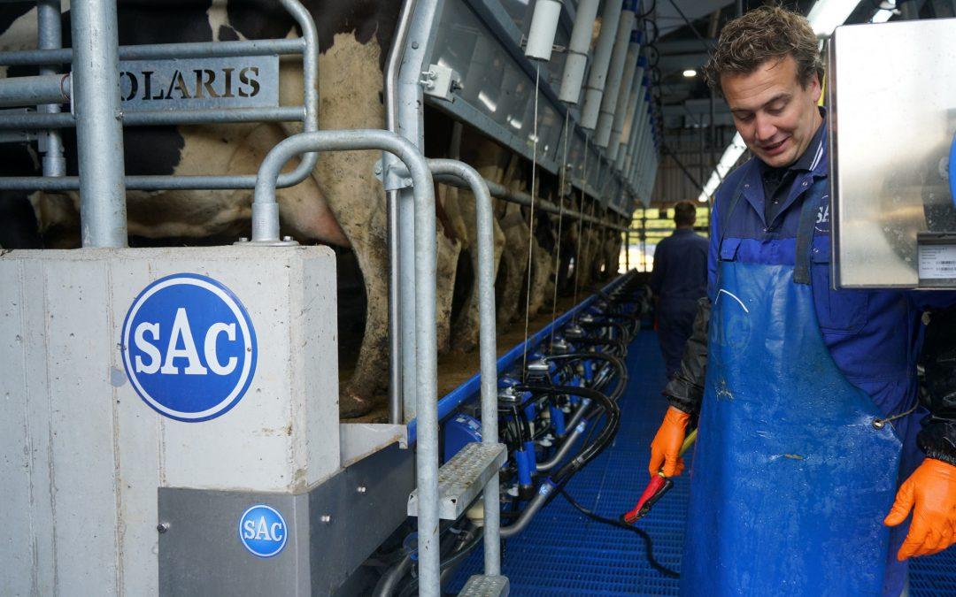 Melkveehouder Sjoerd blij met adviezen van studenten